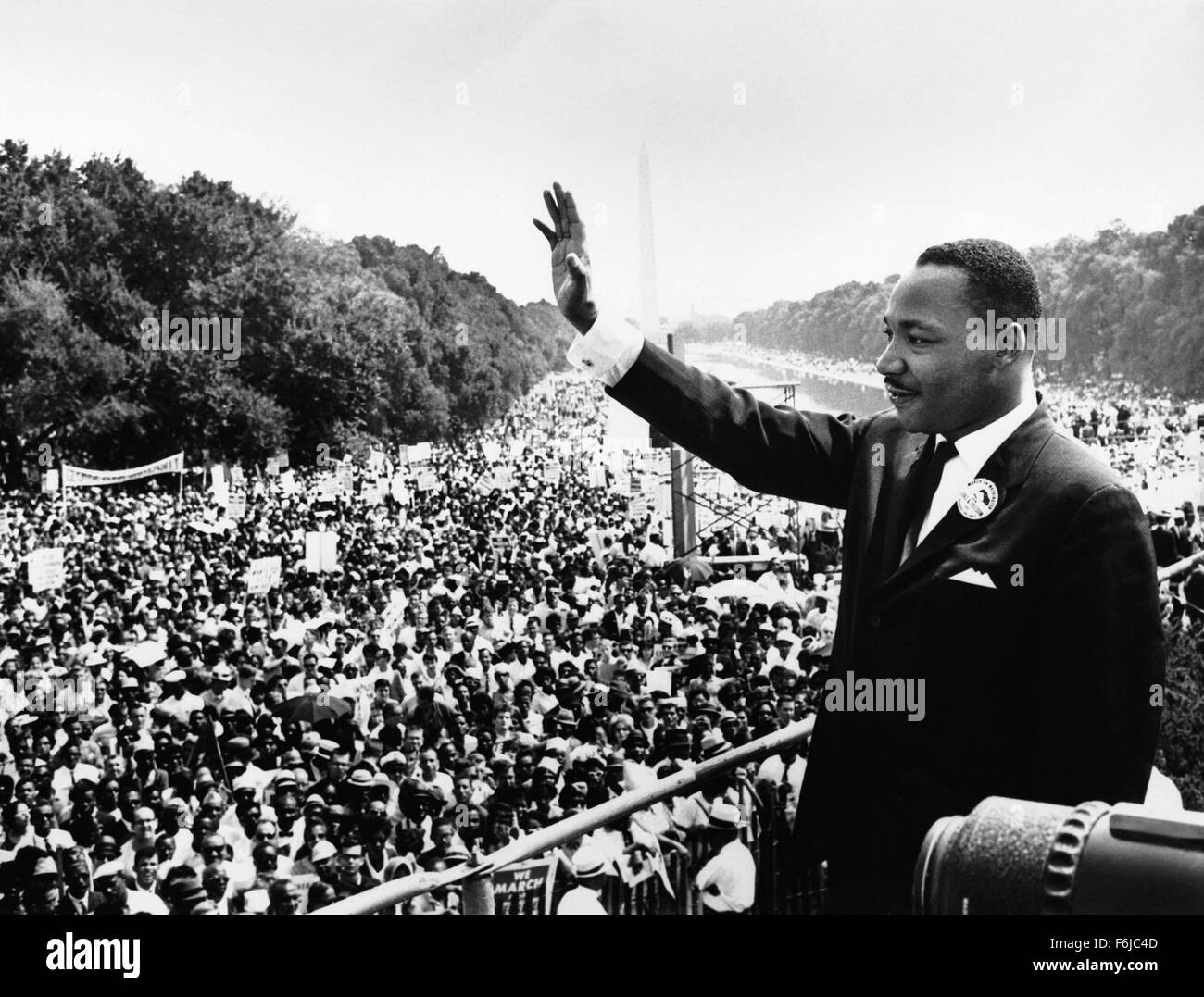 Jan 19, 2004; Hollywood, CA, USA; DR. MARTIN LUTHER KING addresses a large crowd at a civil rights march in Washington, - Stock Image