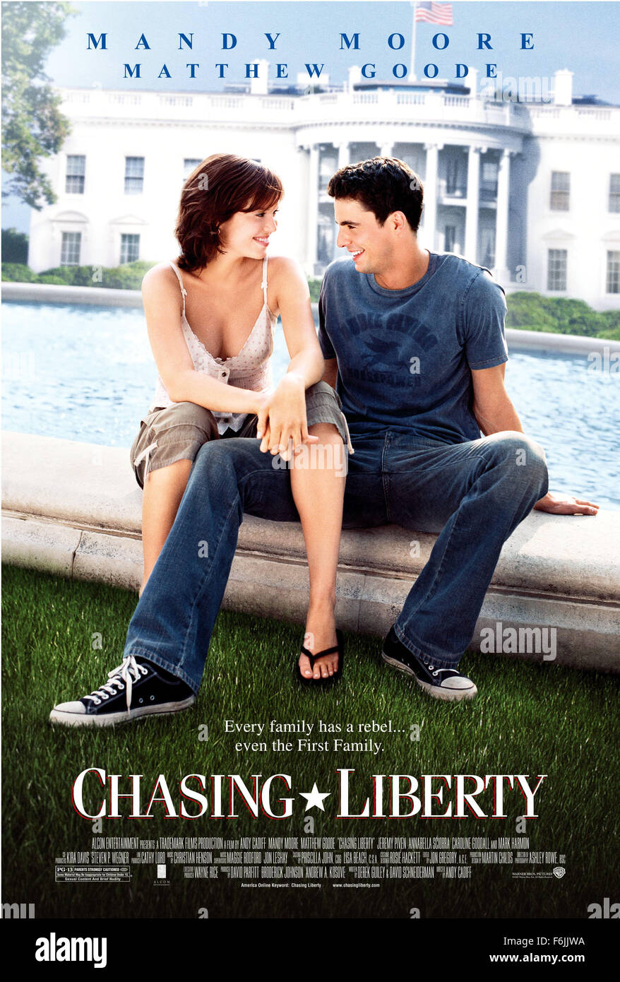 RELEASE DATE: January 9, 2004. MOVIE TITLE: Chasing Liberty. STUDIO: Alcon Entertainment. PLOT: Anna Foster has - Stock Image