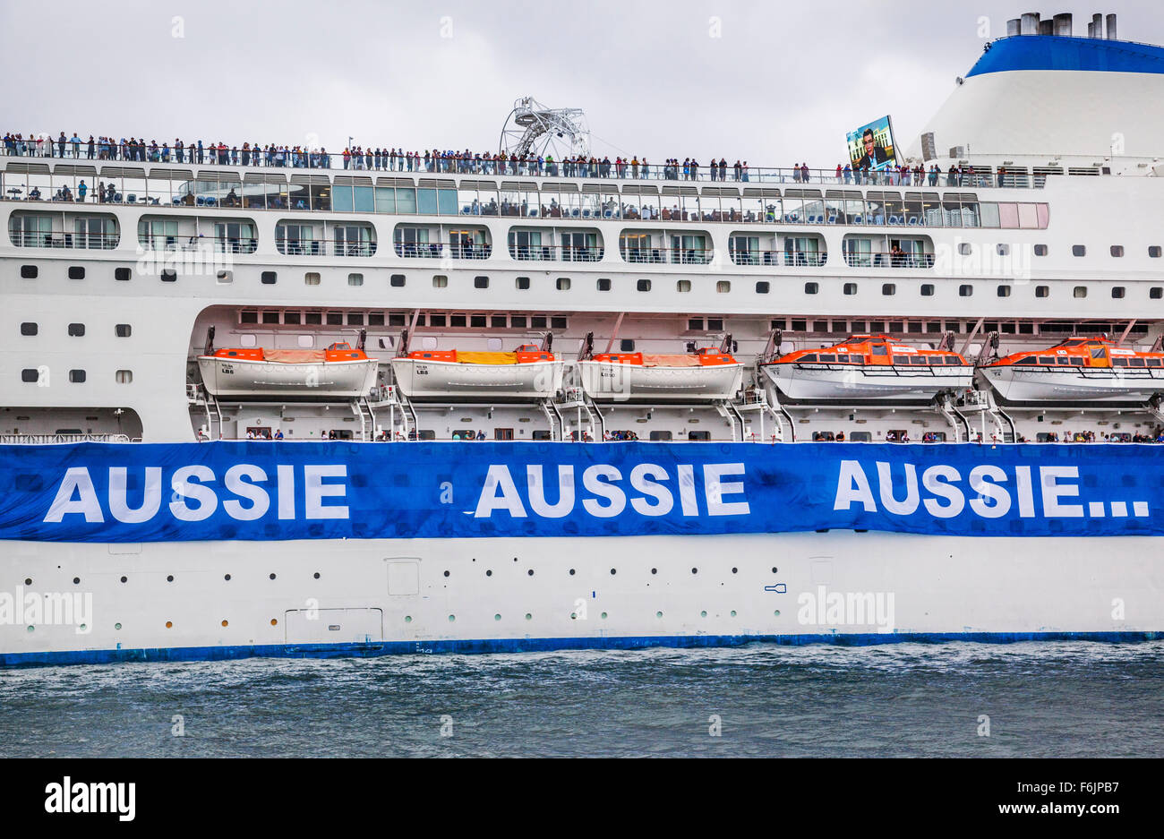Australia, New South Wales, P & O cruise ship 'Pacific Jewel' moored in Sydney Harbour during Australia - Stock Image