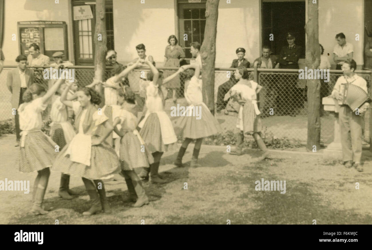 World Festival Budapest 1949: Girls dancing - Stock Image