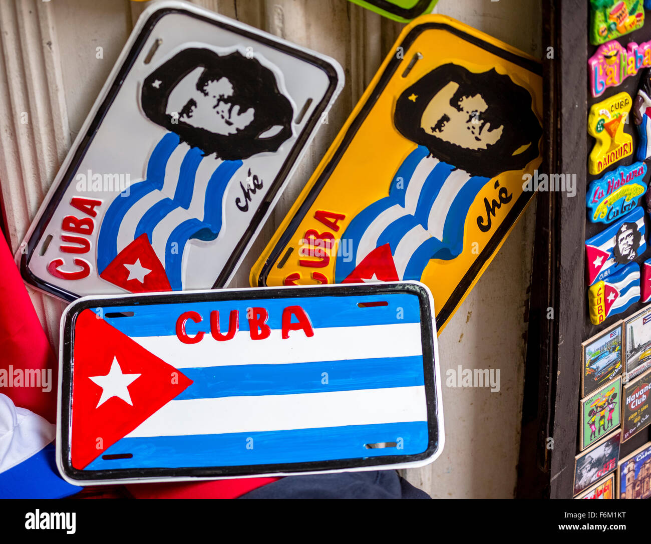Number plates painted with Ernesto Che Guevara and the Cuban flag, Cuban Flag, in Old Havana, souvenirs, La Habana, - Stock Image