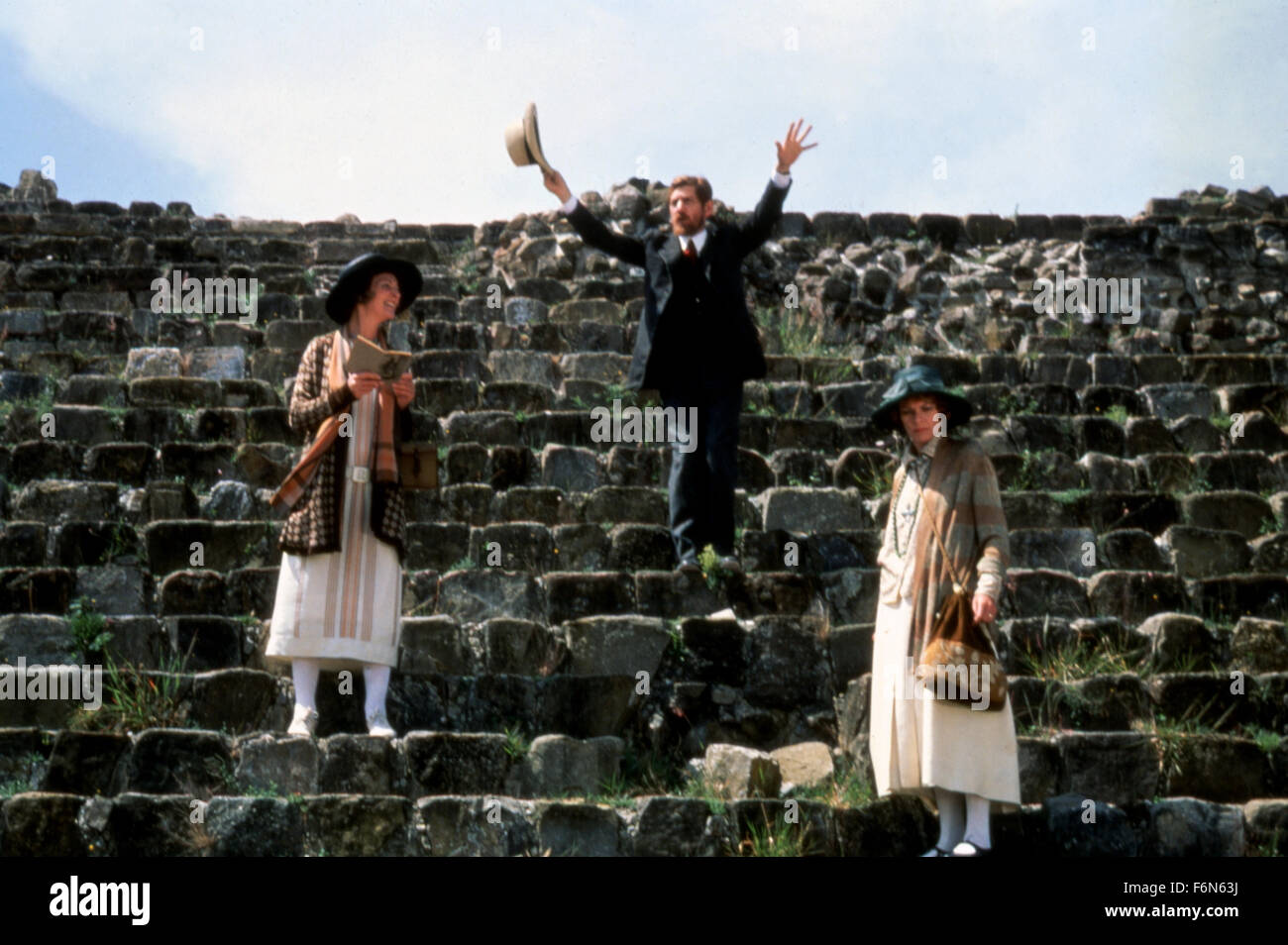 Feb. 14, 2014 - Hollywood, U.S. - PRIEST OF LOVE (1981)..PENELOPE KEITH; IAN MCKELLEN; JANET SUZMAN; CHRISTOPHER - Stock Image