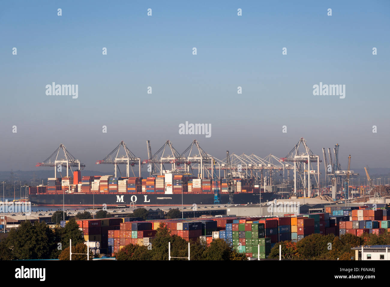 Mol Quartz container ship pictured in Southampton Container Port, DP World, Southampton Docks - Stock Image
