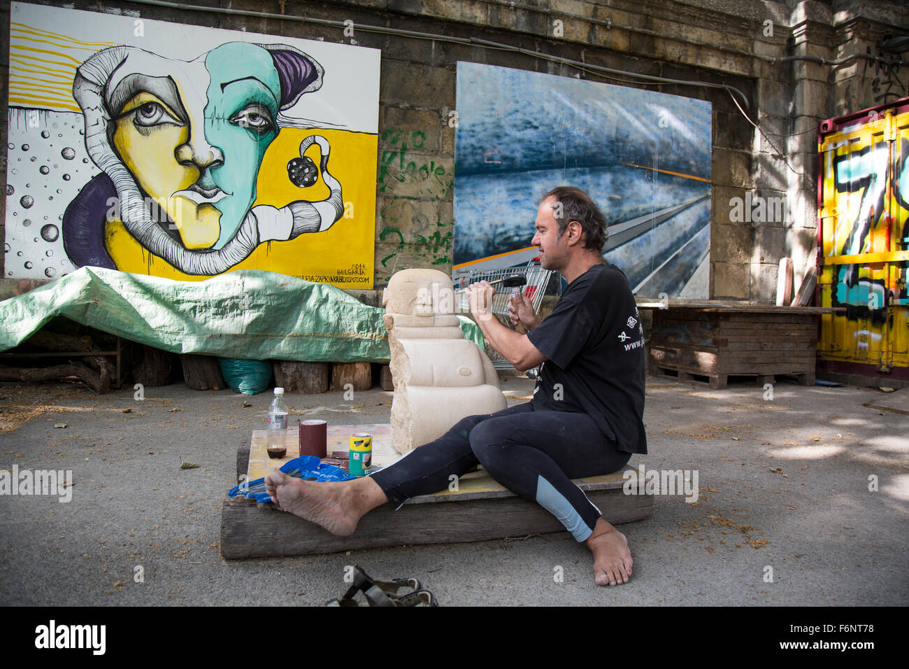 Sculptor Working on a Piece in Vienna - Stock Image