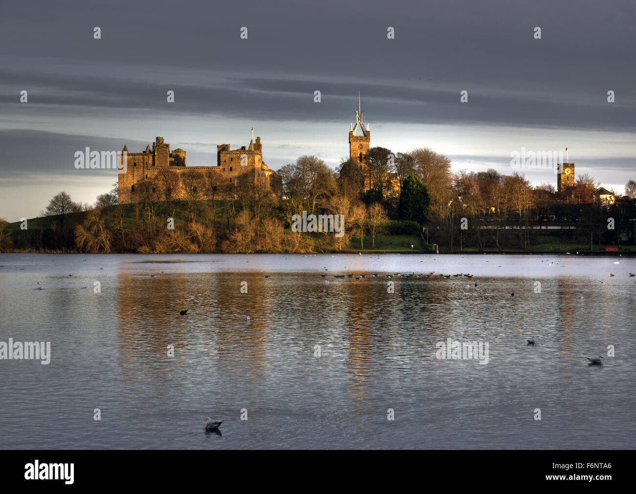 Linlithgow Palace and Loch Scotland Stock Photo