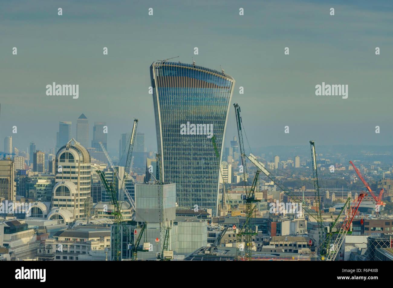 The Walkie Talkie  20 Fenchurch Street, city of London skyscraper - Stock Image