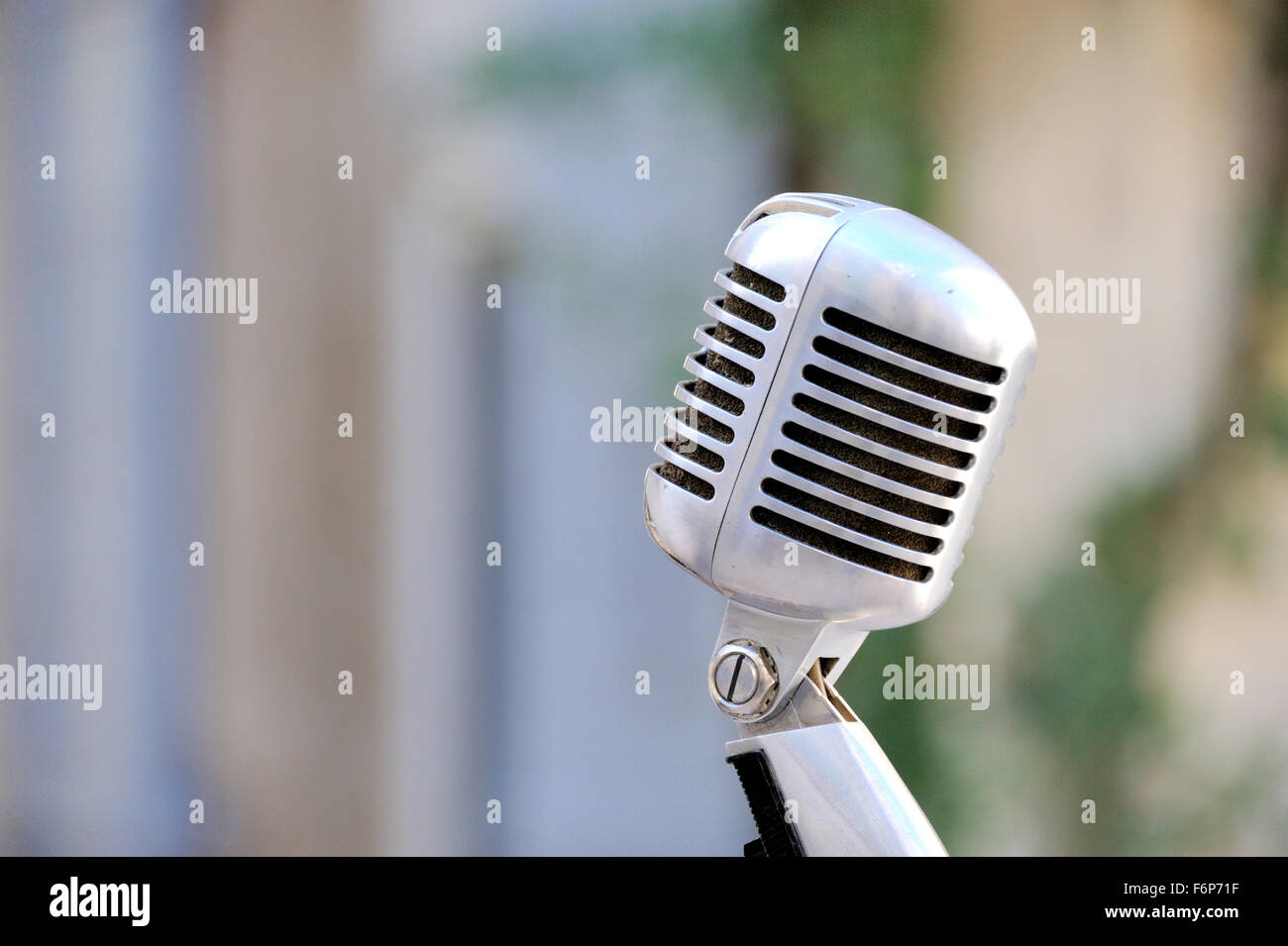 vintage microphone sound gear in retro style - Stock Image