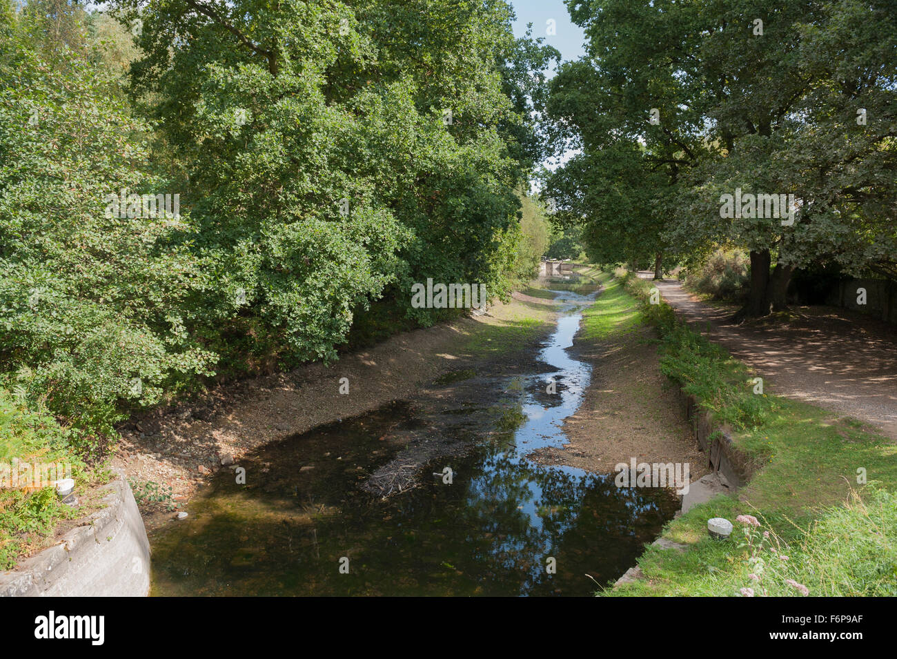 Basingstoke Canal During the 2009 Drought -1 - Stock Image