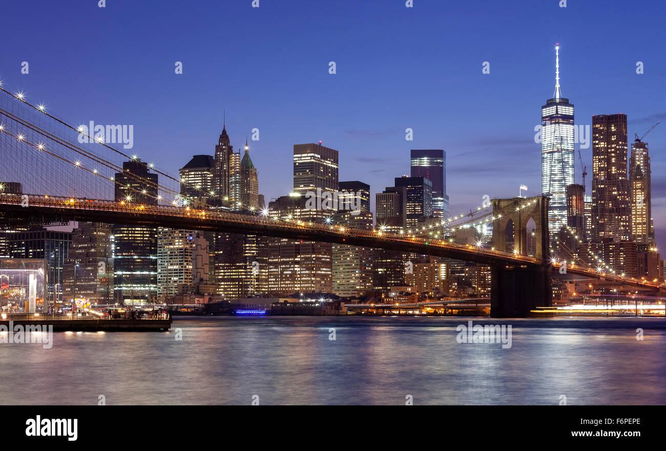 Manhattan waterfront at night, New York City, USA. - Stock Image