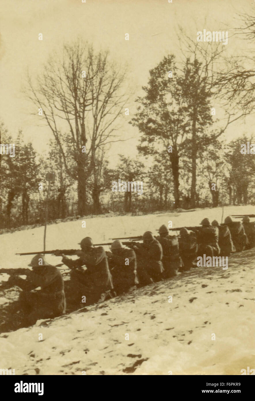 Italian soldiers in the trenches - Stock Image