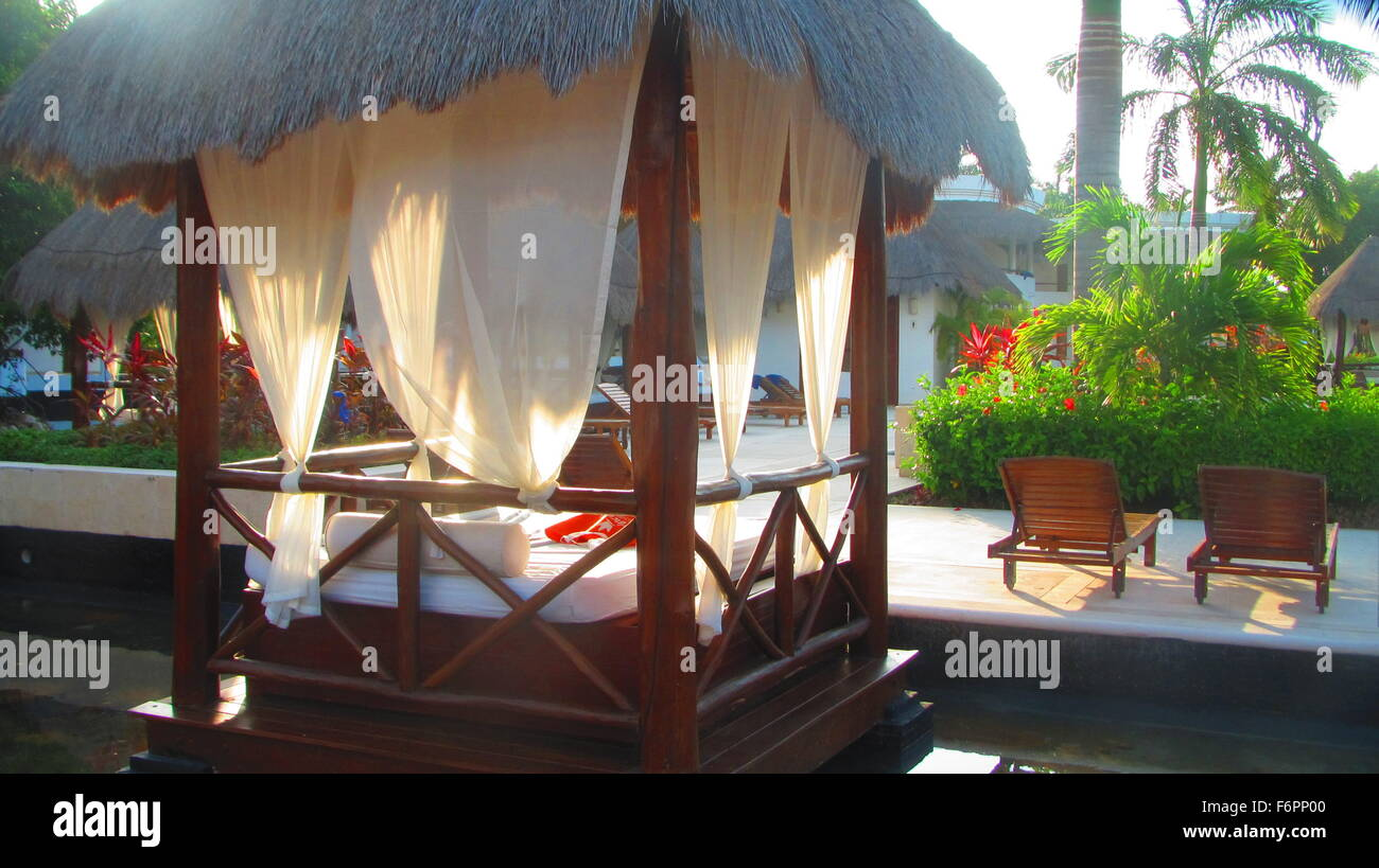 Picture of: The Beautiful Bali Style Daybeds At A Resort And Spa In Cancun Stock Photo Alamy