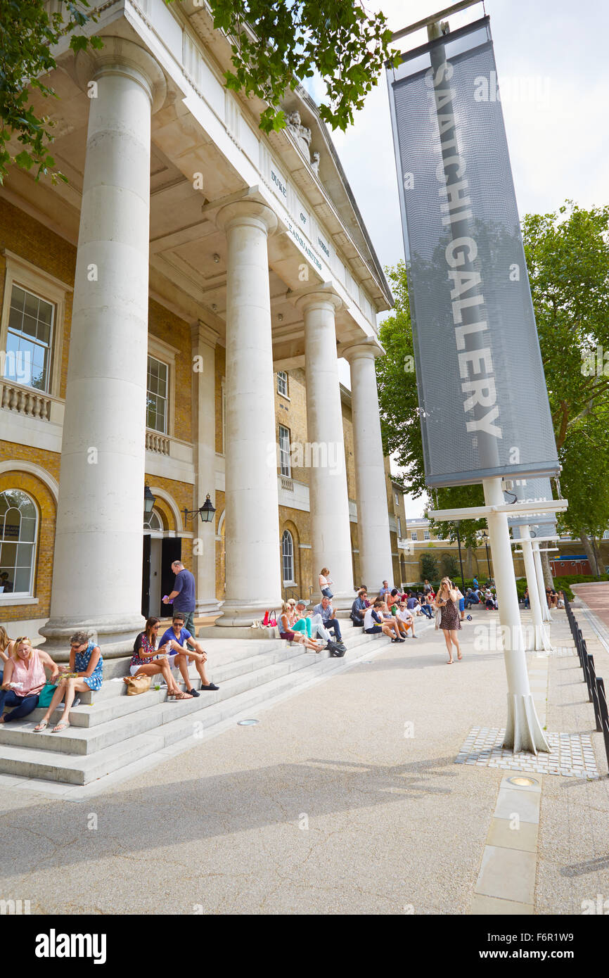 The Saatchi Gallery, famous art gallery entrance with people in London - Stock Image