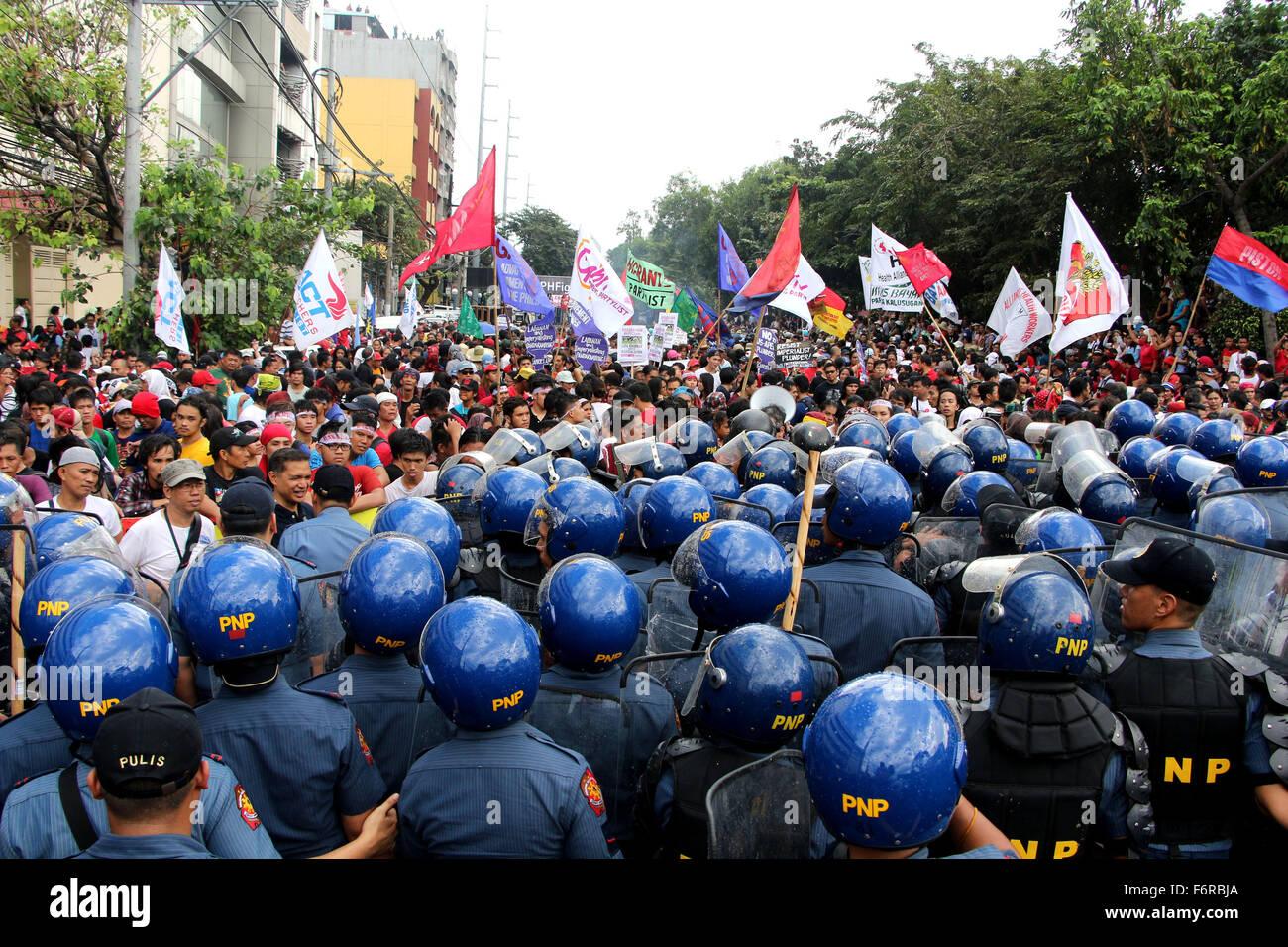 Manila, Philippines. 19th Nov, 2015. Members of Philippine National Police (PNP) Civil Disturbance Management (CDM) - Stock Image