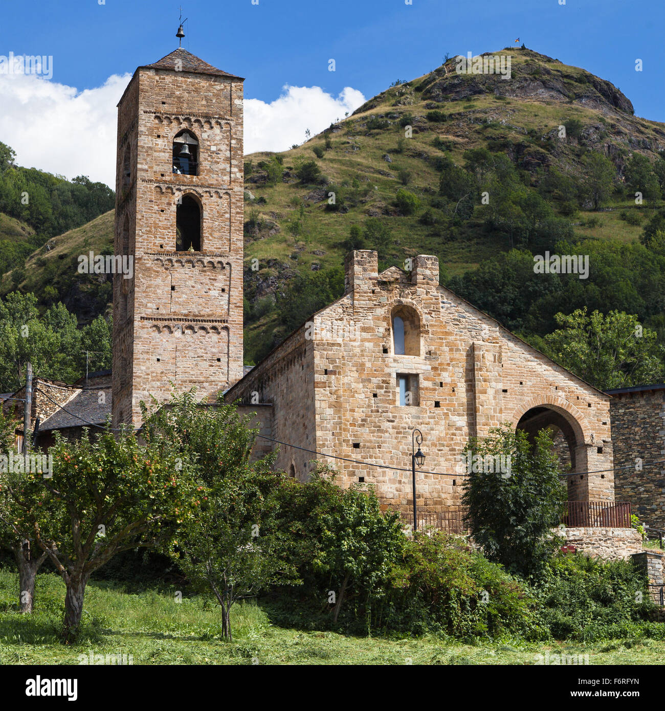 Romanesque church of La Nativitat in Durro, Vall de Boi, Catalonia. - Stock Image