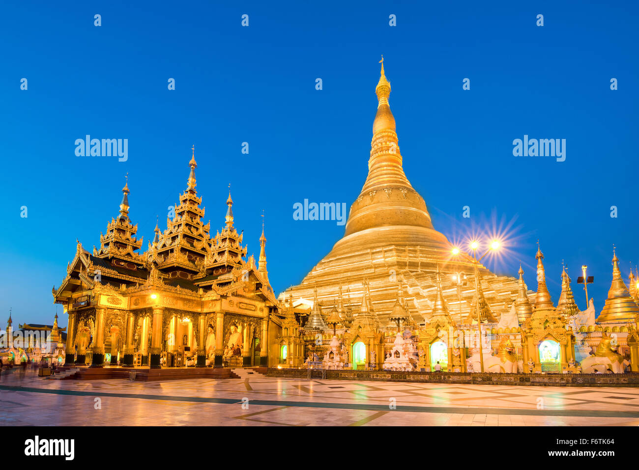 Yangon, Myanmar view of Shwedagon Pagoda at dusk. - Stock Image