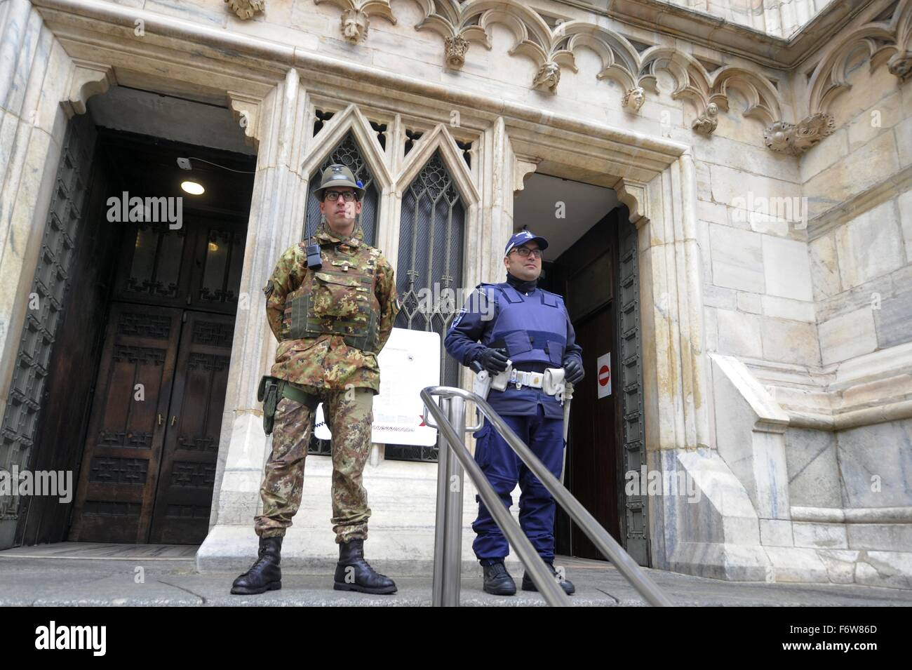Milan, Italy. 19th November, 2015. The army in anti-terrorism security service around the Cathedral Duomo Credit: - Stock Image