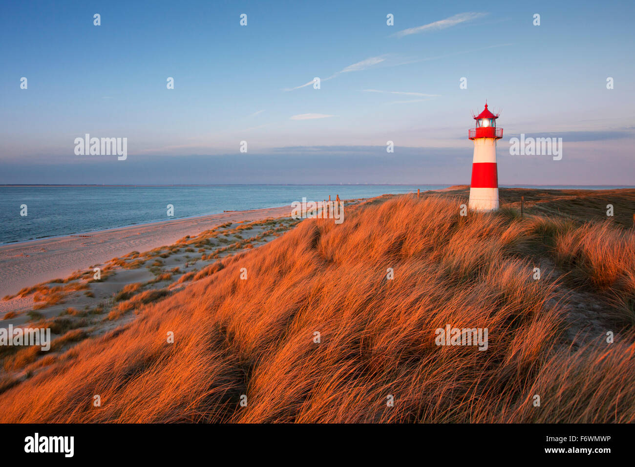 List Ost lighthouse, Ellenbogen peninsula, Sylt island, North Sea, North Friesland, Schleswig-Holstein, Germany - Stock Image