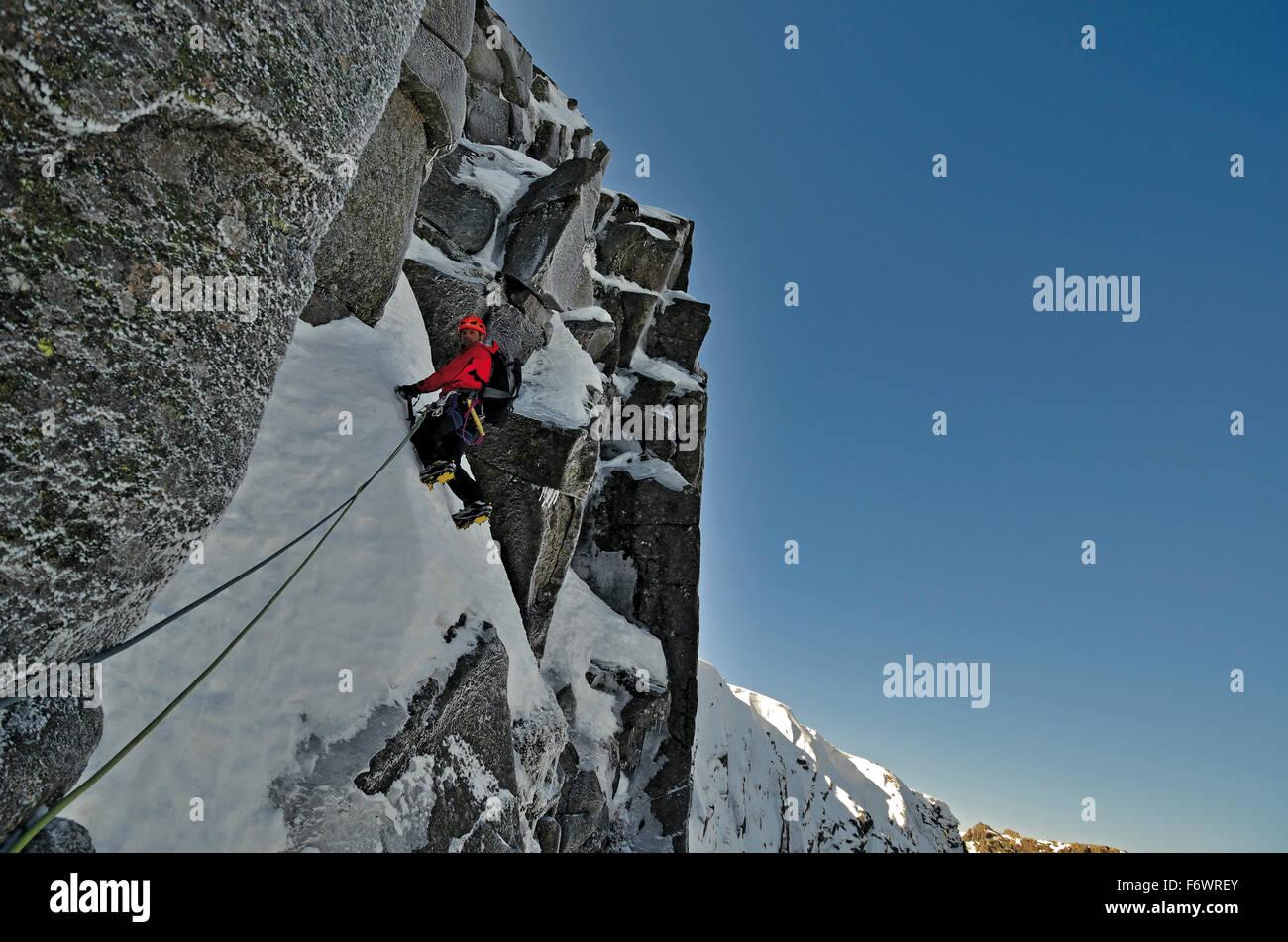 Climber ascending Lochnagar, Cairngorms, Grampian Mountains, Scotland, Great Britain - Stock Image
