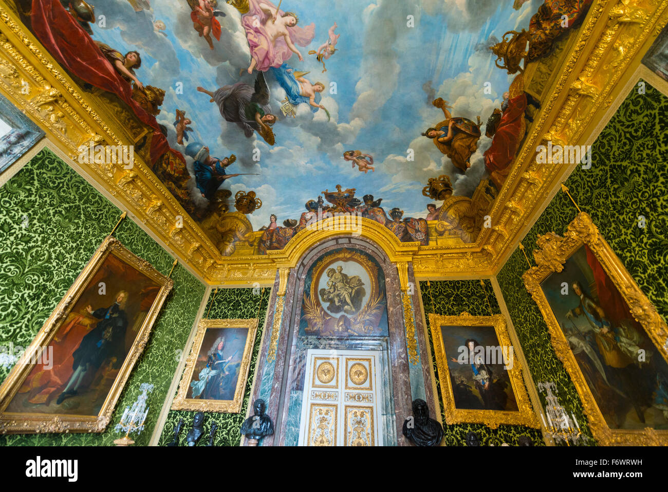 Historical room with ceiling frescos, Palace of Versailles, UNESCO World Heritage Site, Yvelines, Region Ile-de - Stock Image