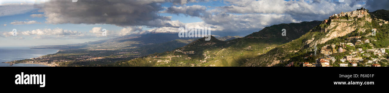 Panorama of the sicilian east coast with the Etna vulcano, Italy - Stock Image