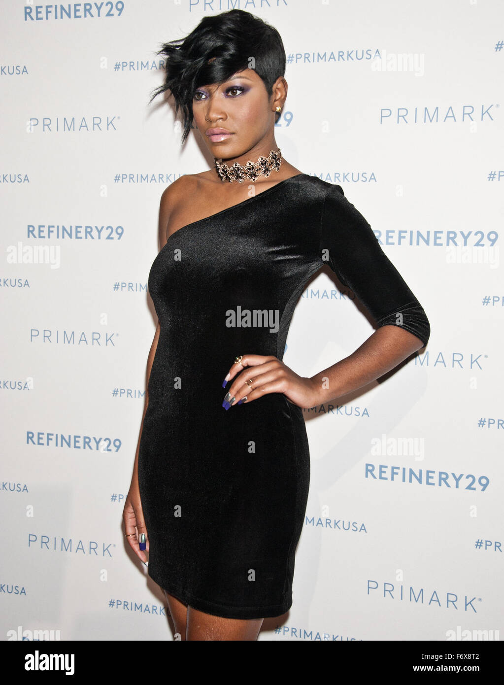 Philadelphia, Pennsylvania, USA. 19th November, 2015. Keke Palmer Poses at Primark's King of Prussia Store Opening Stock Photo