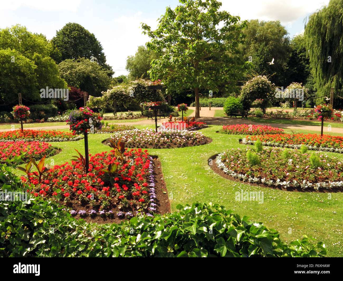 Formal Flower Beds High Resolution Stock Photography And Images Alamy
