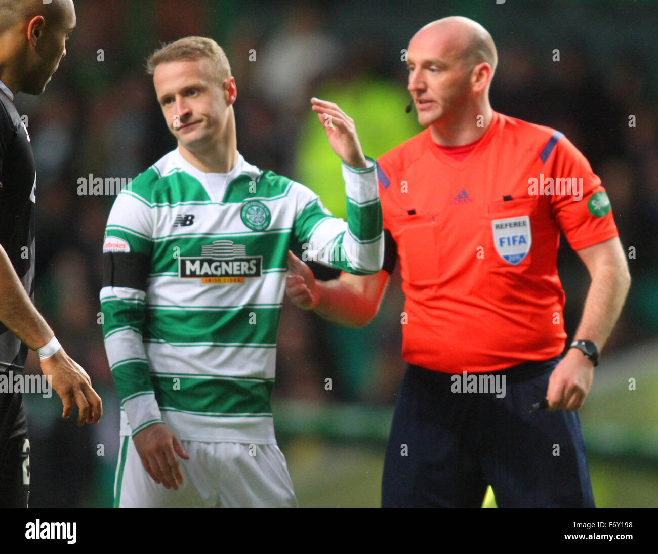 Glasgow, Scotland. 21st Nov, 2015. Scottish Premier League. Celtic versus Kilmarnock. Leigh Griffiths argues with - Stock Image