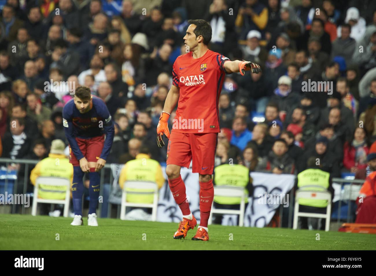 Madrid, Spain. 21st Nov, 2015. Claudio Bravo (goalkeeper, F.C. Barcelona) in action during La Liga match between Stock Photo