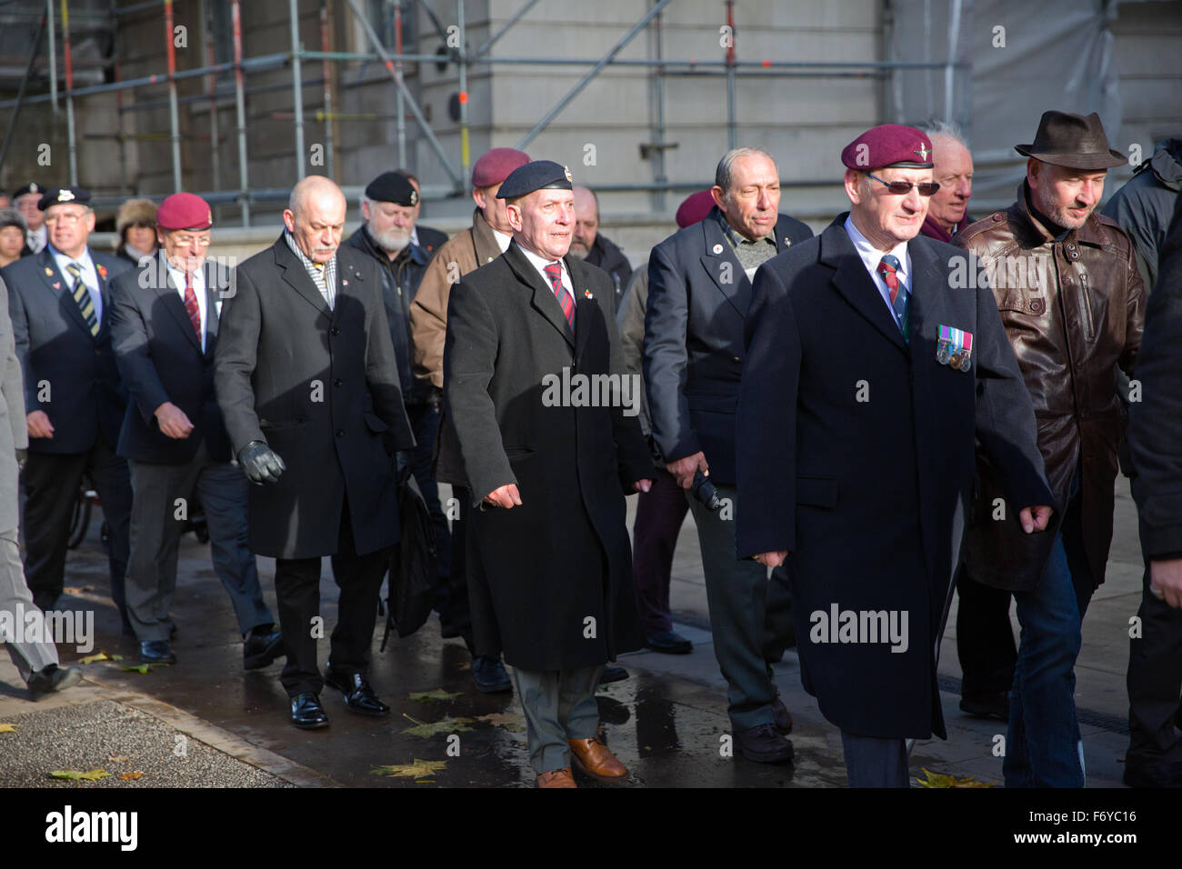 London, UK. 21st Nov, 2015. British military veterans from around the UK assembled opposite Downing Street in support - Stock Image