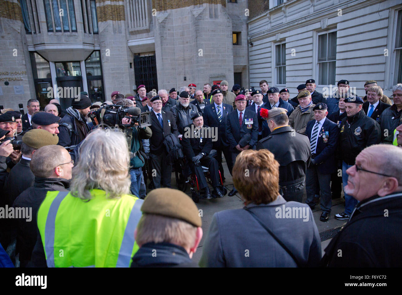 London, UK. 21st Nov, 2015. British military veterans rally in front of Downing Street in support of Soldier J, - Stock Image