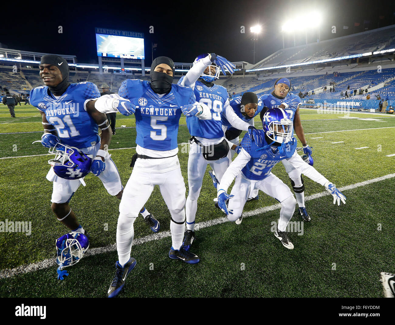 Lexington, KY, USA. 21st Nov, 2015. Several UK players posed for cameras after the University of Kentucky Wildcats - Stock Image