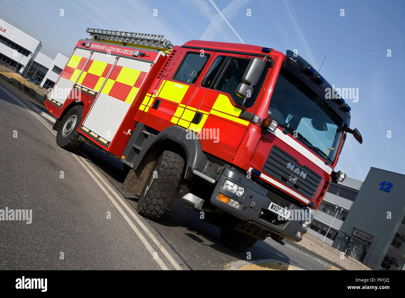 Off Road Fire Truck >> Man Off Road Fire Truck Stock Photo 90346666 Alamy