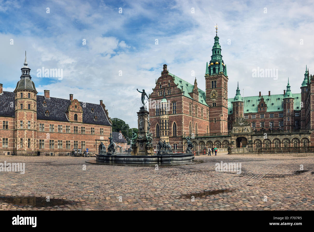 Frederiksborg Castle (Slott), a Baroque palatial complex in Hillerod, Denmark - Stock Image