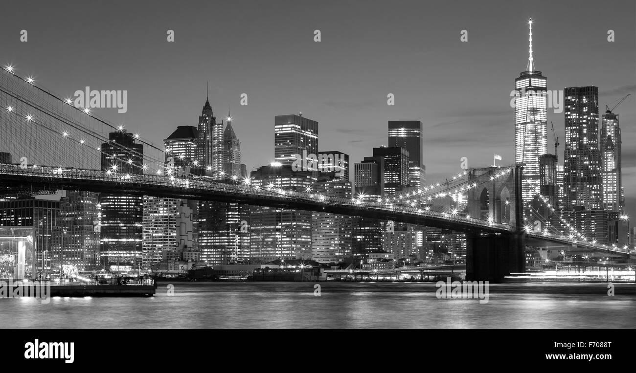 Black and white Manhattan waterfront at night, New York City, USA. - Stock Image