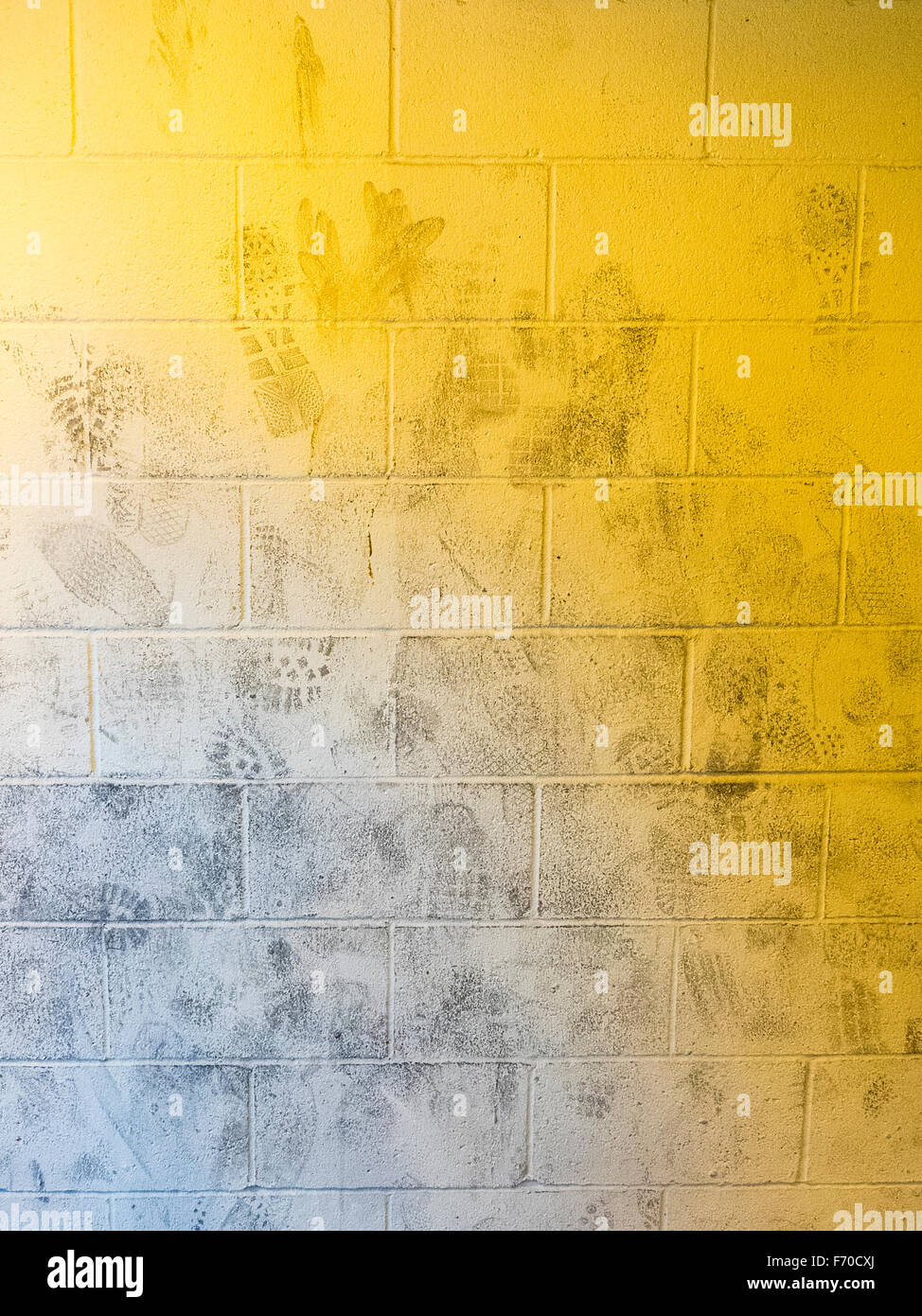 Concrete Block Wall Stock Photos & Concrete Block Wall Stock Images ...