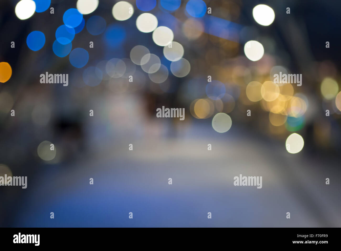 Defocused christmas sreet - Stock Image