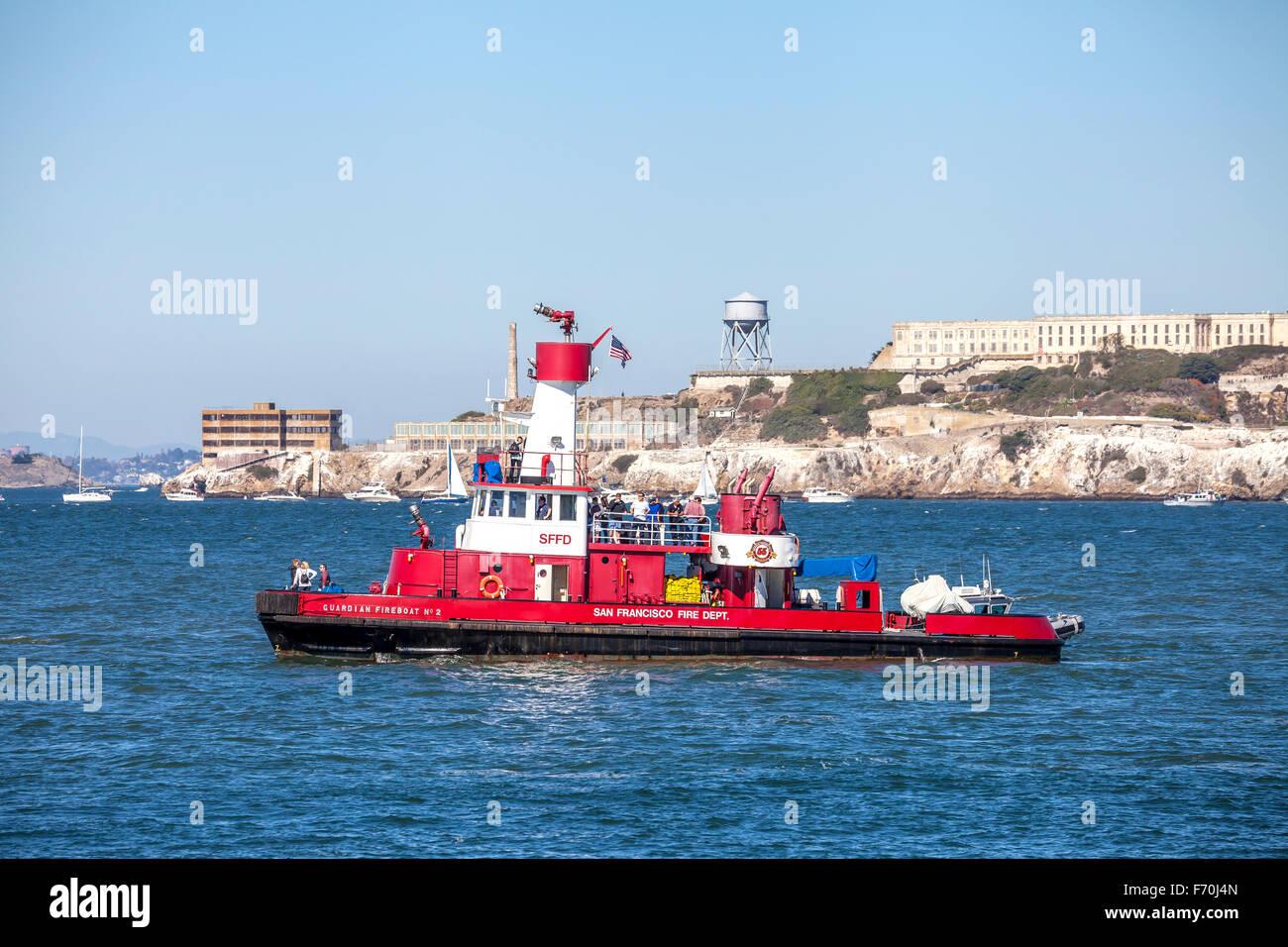 San Francisco Fire Department rescue boat patrolling the San Francisco Bay during fleet week, San Francisco, California, - Stock Image