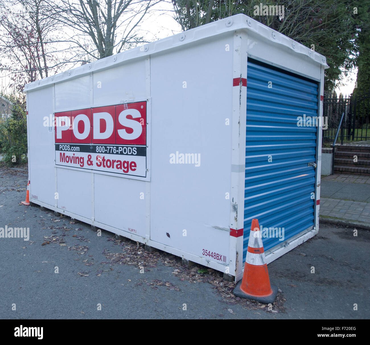 Pods Moving Storage Container Stock Photos Pods Moving Storage