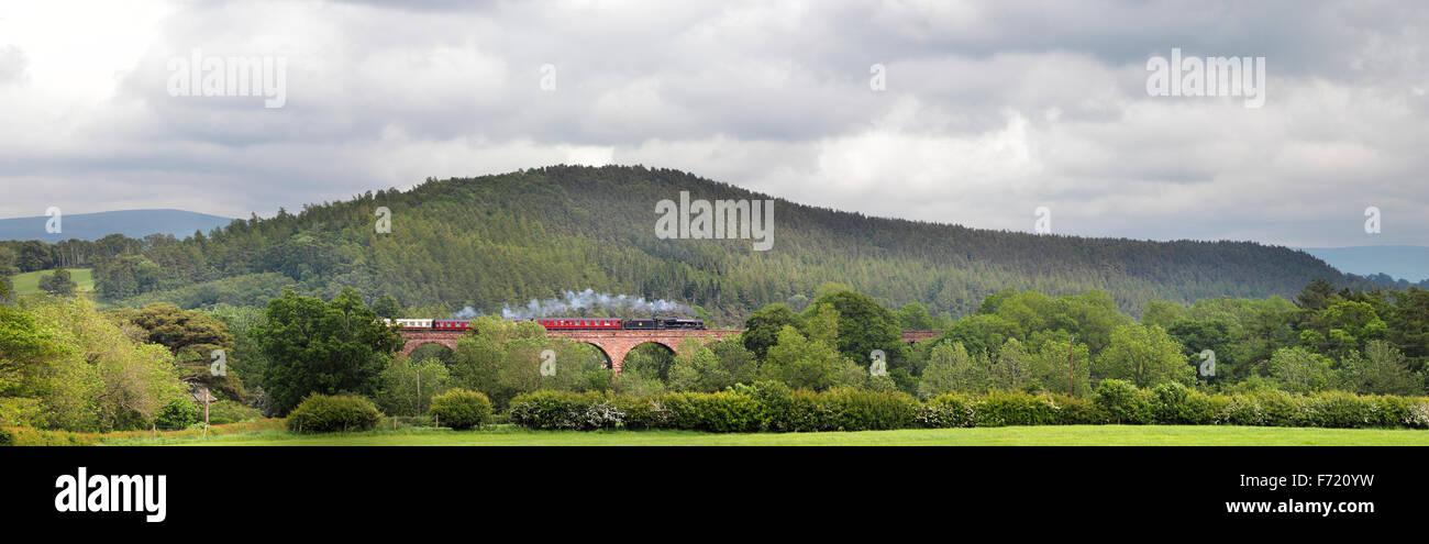 Armathwaite Viaduct, Settle to Carlisle Railway Line. Steam train LMS Jubilee Class Leander passing over Armathwaite - Stock Image