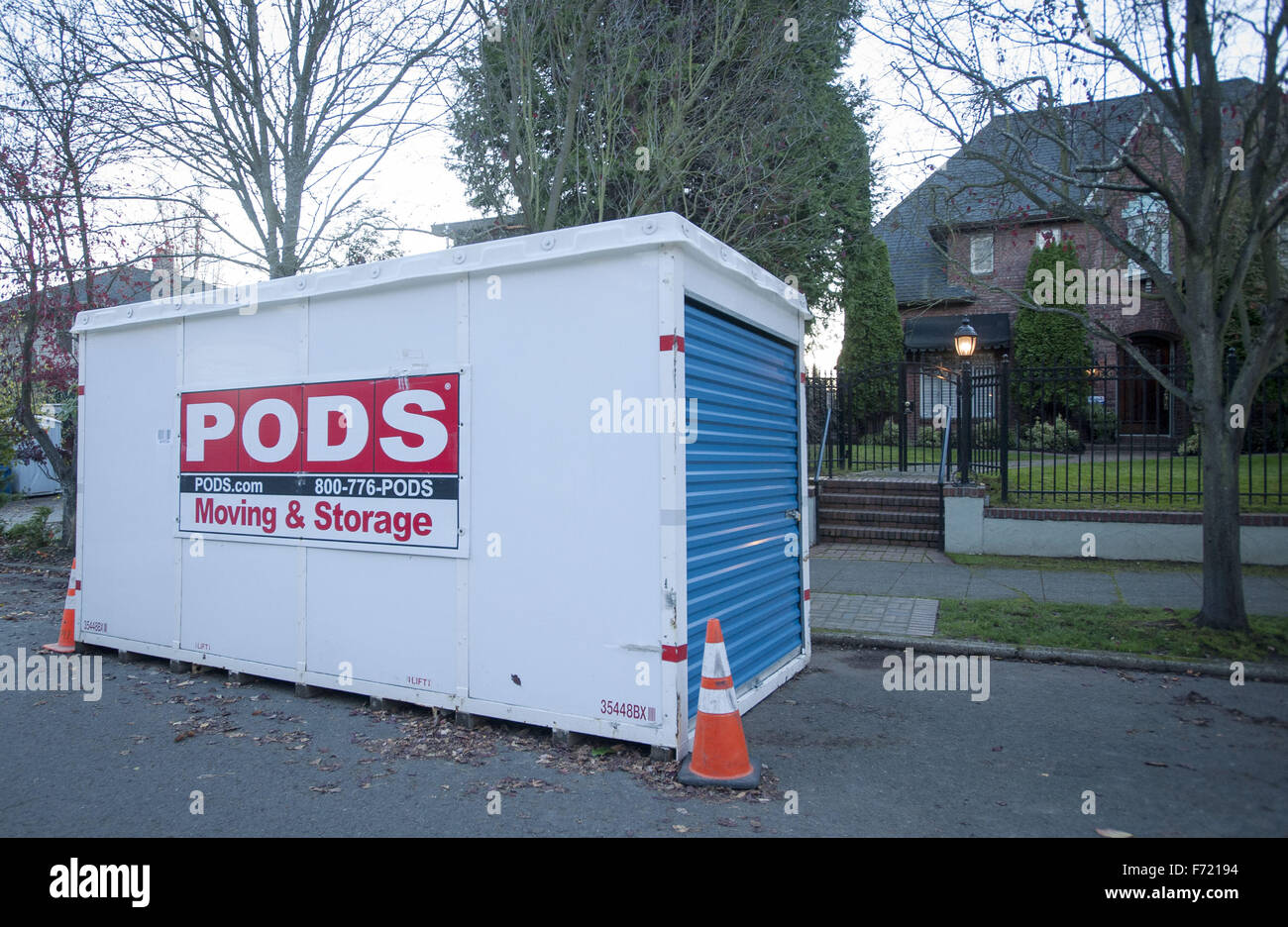 20 2015 - Seattle Washington U.S - PODS a Clearwater Florida company founded in the late 1990u0027s stands for u0027u0027Portable On Demand Storageu0027u0027 offers on ... : storage containers seattle  - Aquiesqueretaro.Com