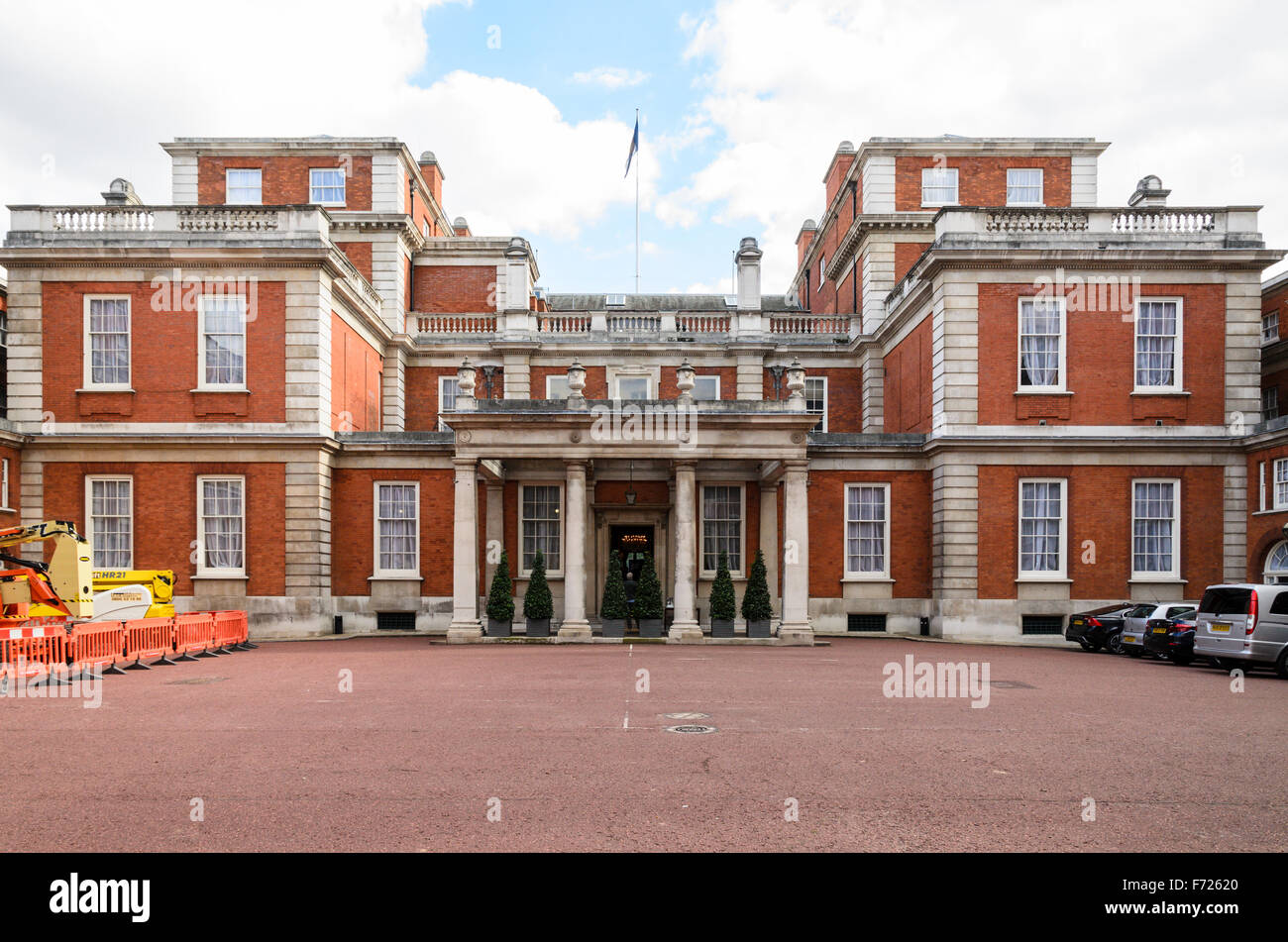 Marlborough House, the home of the Commonwealth Secretariat, Westminster, London, England, UK. Stock Photo