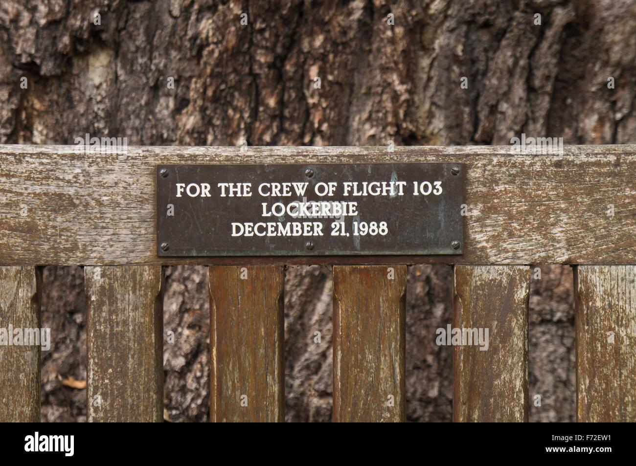 Lockerbie PanAm103 In Rememberance Memorial Benches round tree, Kew Gardens Stock Photo
