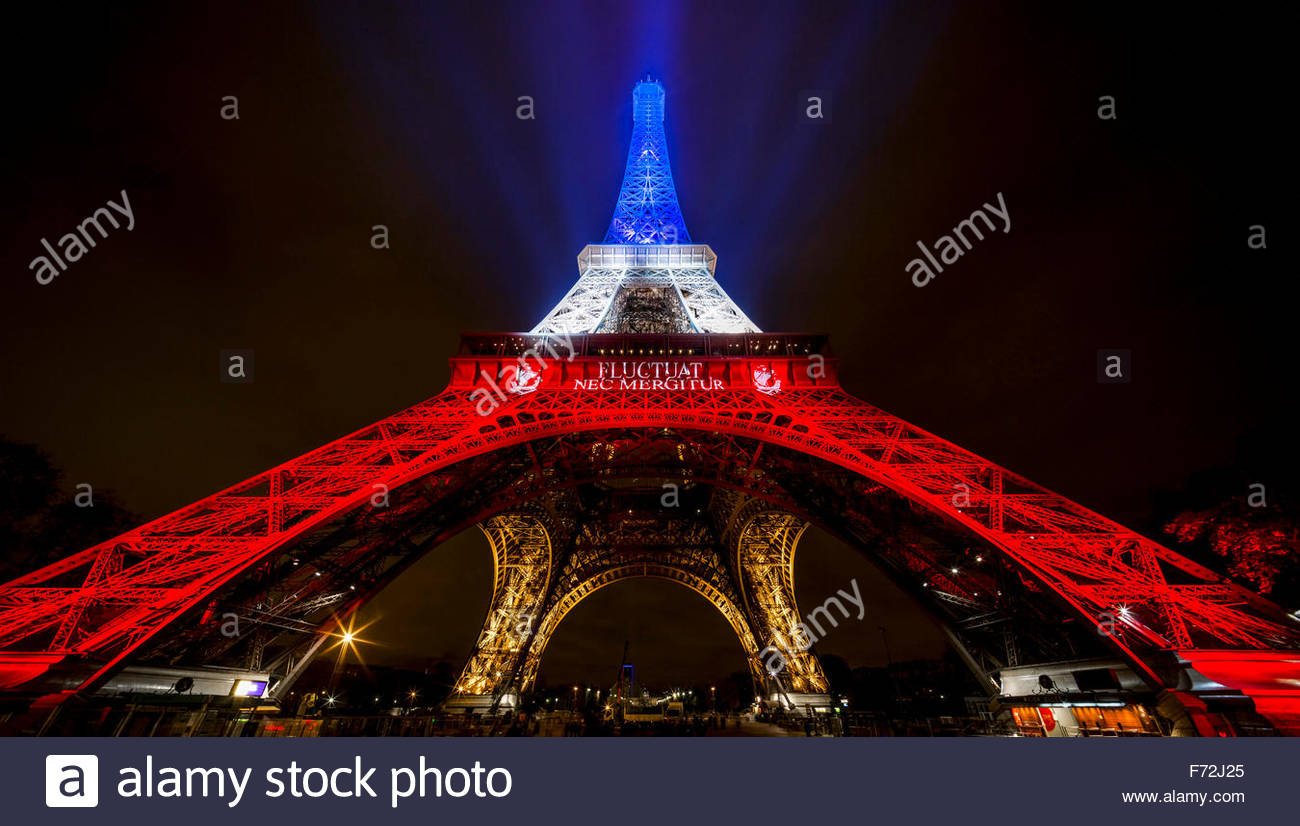 Paris, Eiffel Tower. French tributes to the victims of the terrorist attacks of November 13, 2015, Fluctuat nec - Stock Image