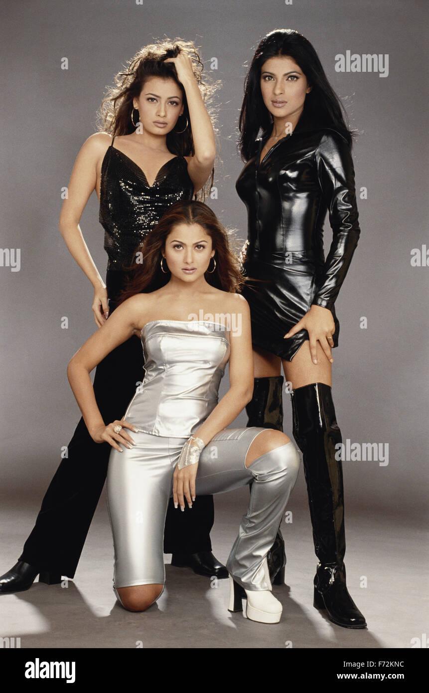 Indian film actresses, priyanka chopra dia mirza amrita arora, india, asia,  2003