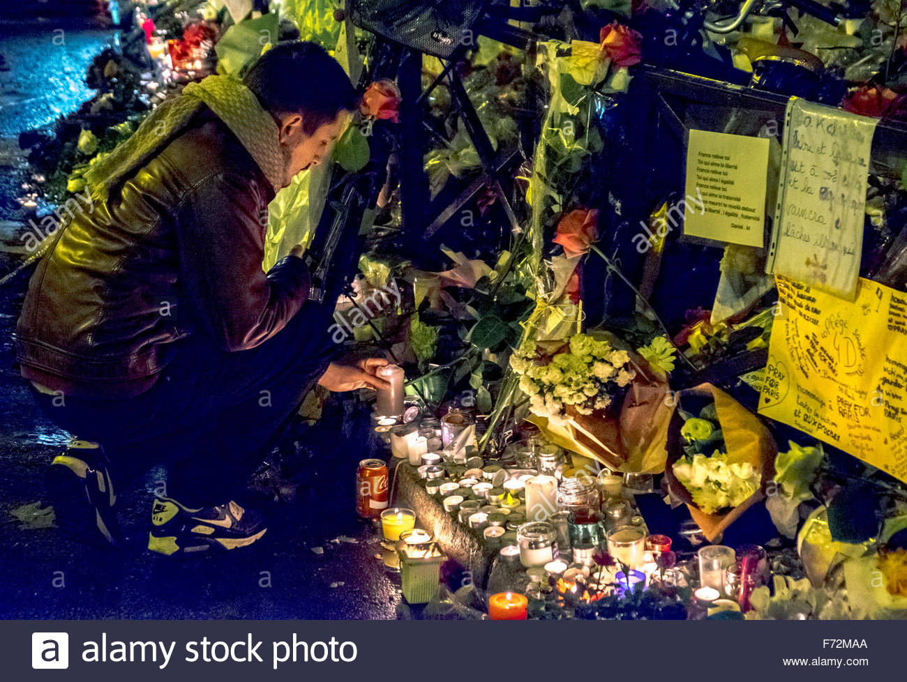 Paris, restaurant la Belle Equipe 20/11/2015. French tributes to the victims of the terrorist attacks of November Stock Photo