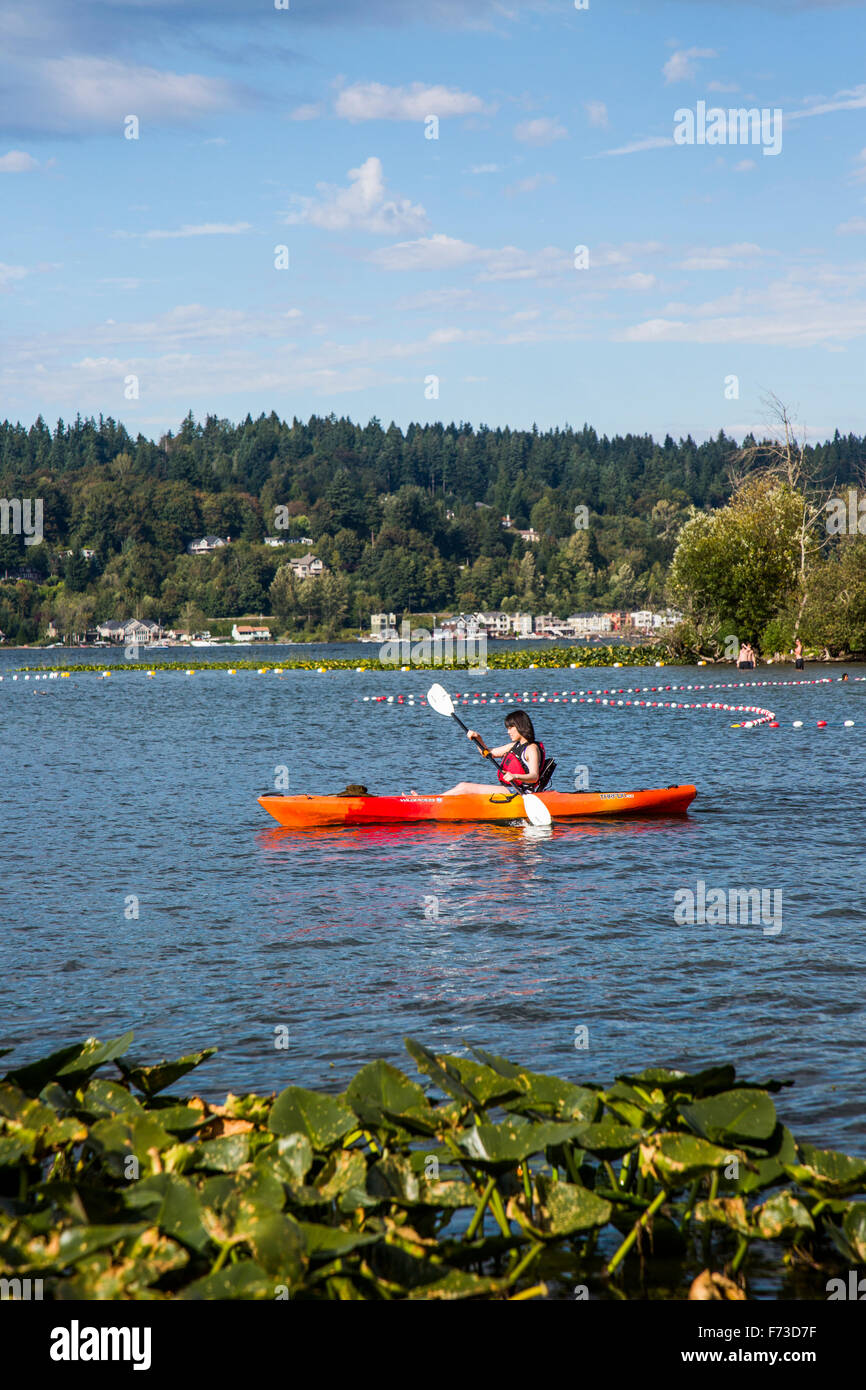 Lake Sammamish near Seattle and Issaquah, WA is a popular tourist destination for water activities including kayaking - Stock Image