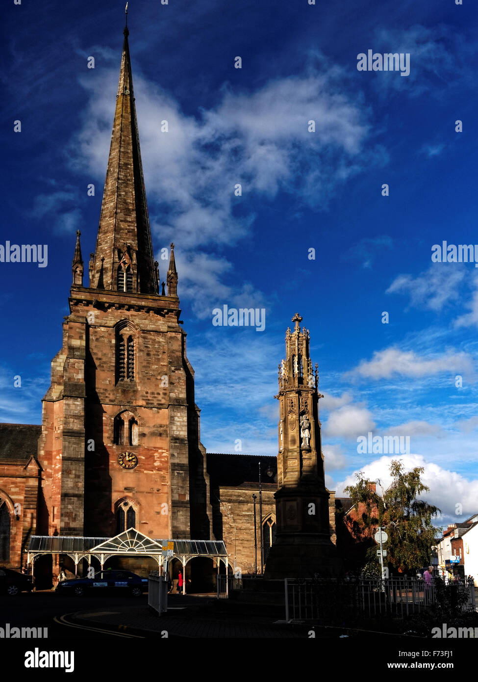 St. Peter's is the older of the two remaining medieval parish churches in the City of Hereford, England, with - Stock Image