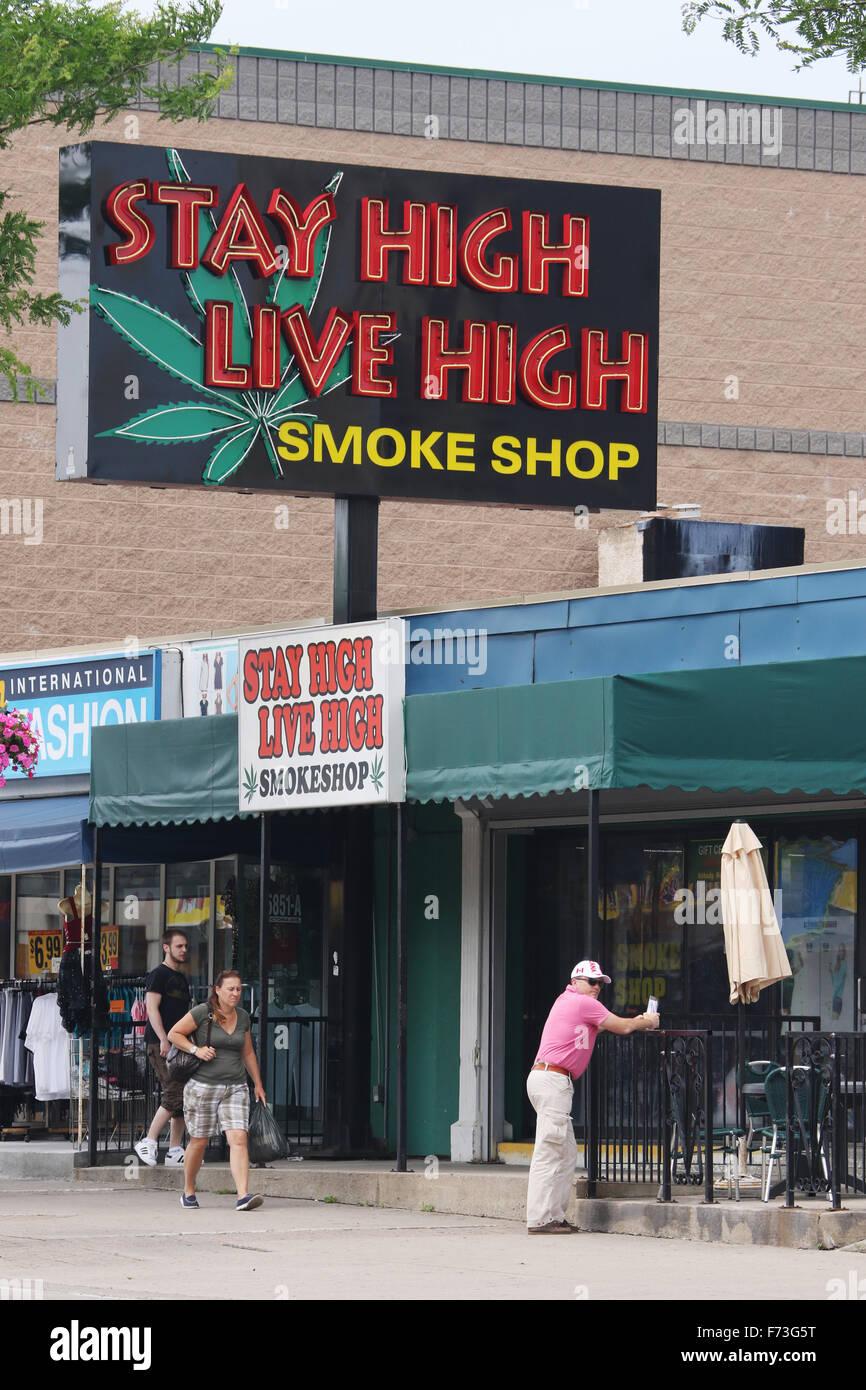 Smoke Shop Stock Photos & Smoke Shop Stock Images - Alamy