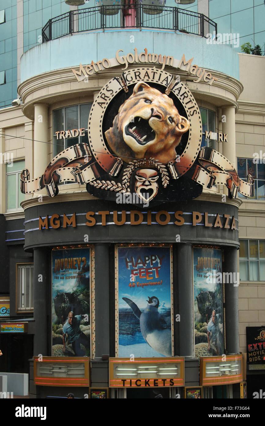 Metro Goldwyn Mayer. MGM Studios Plaza. Leo the Lion mascot. Clifton Hill tourist area, Niagara Falls, Ontario, - Stock Image
