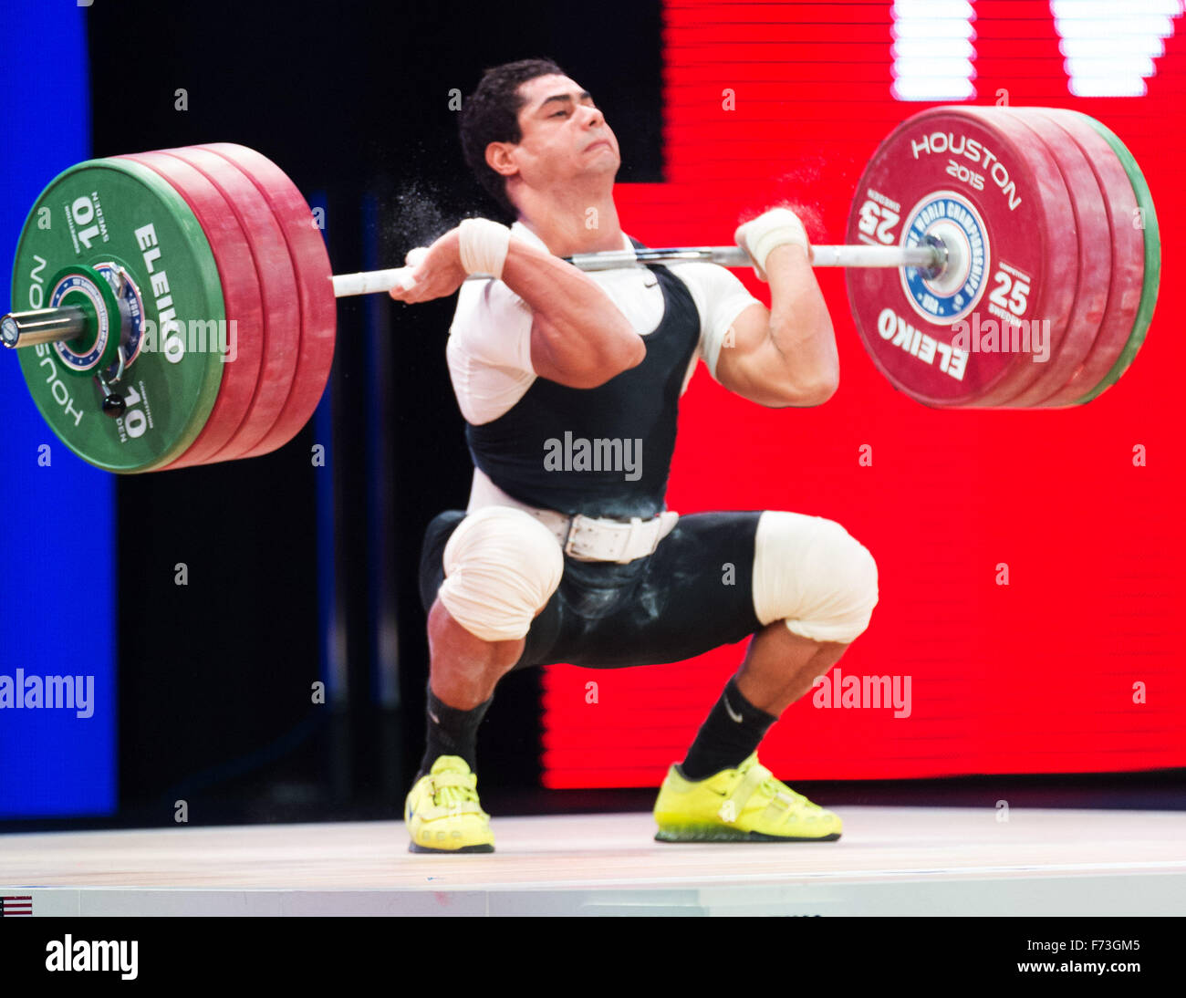 Houston, Texas, USA. 24th Nov, 2015. Youssef Mohamed Ihab lifts 197 kilograms in the clean and jerk. Ihab competed - Stock Image